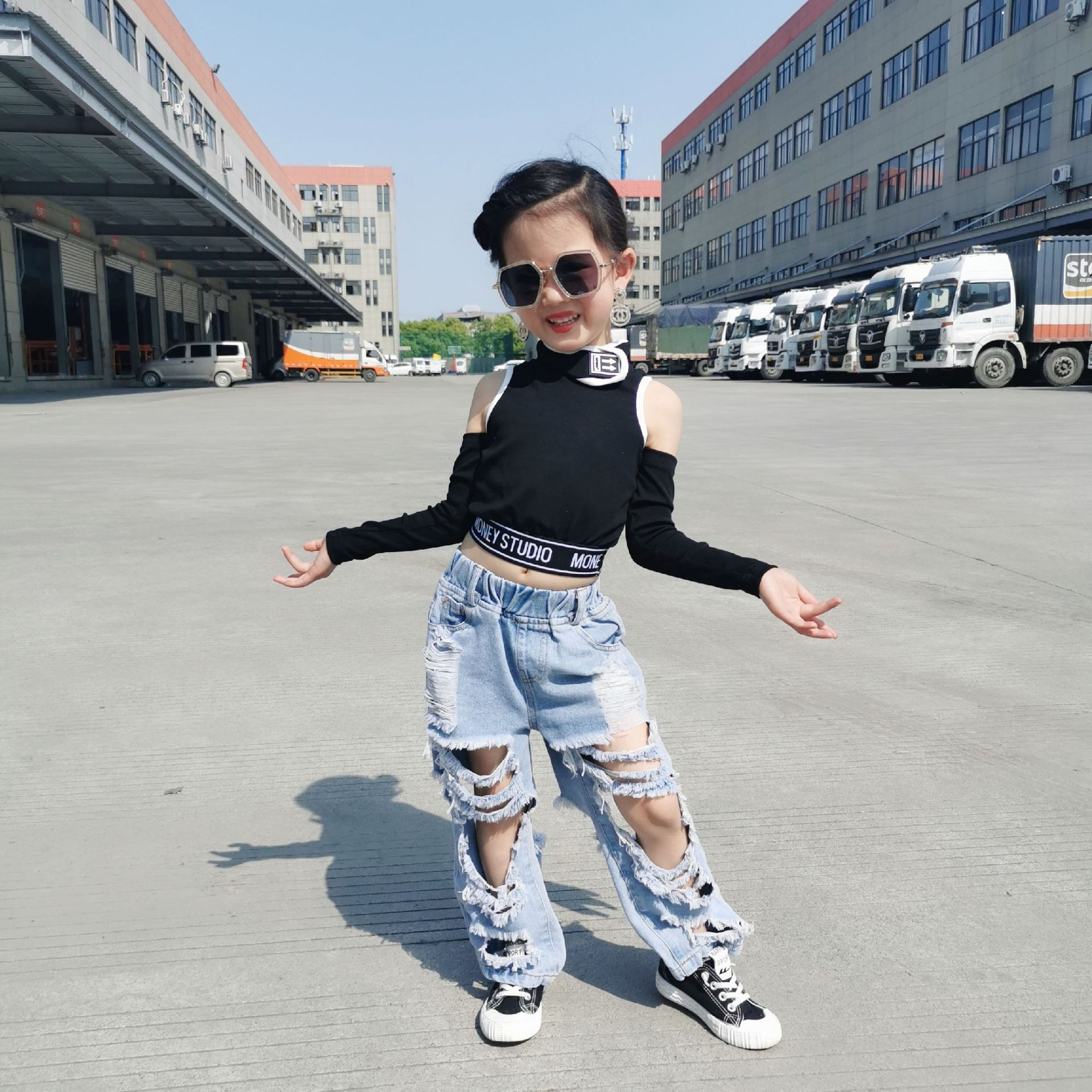 Boys Girls Ripped Jeans Pants 2020 Summer High Waist Denim Holes Distressed Bottoms Kids Toddler Tassels Trouers 3 to 12 yrs